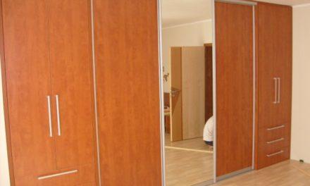 Vestavěné skříně 54